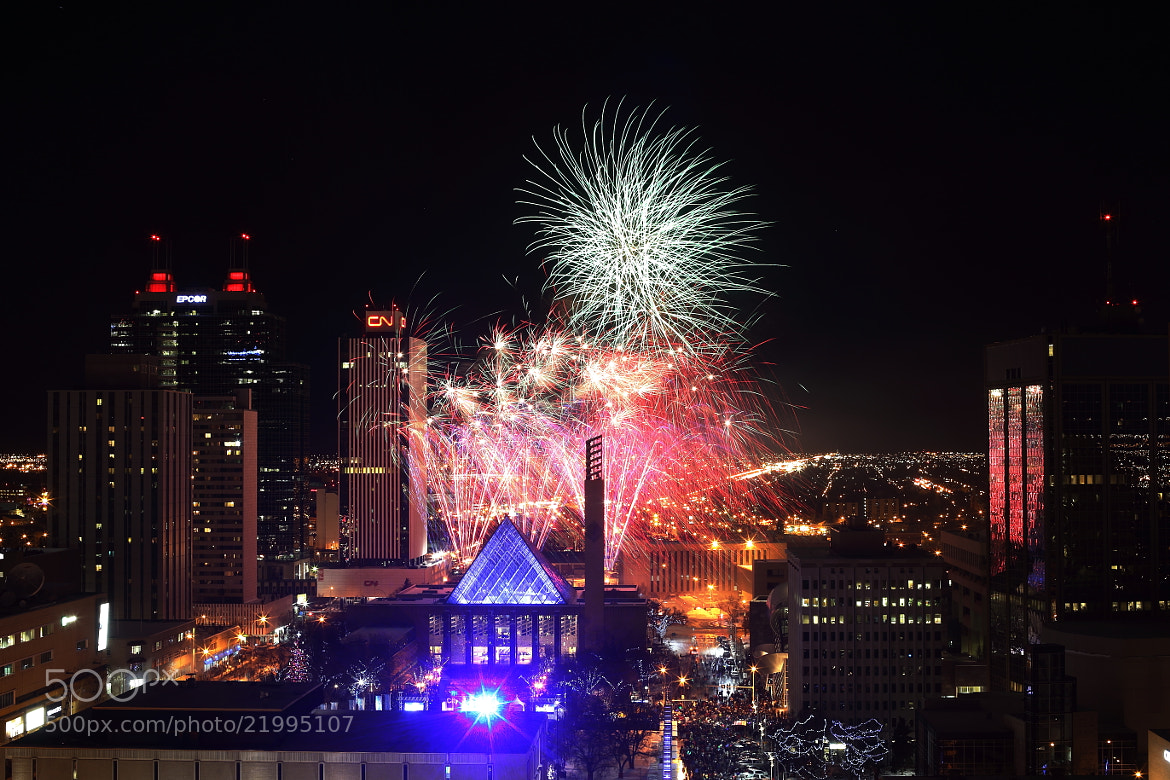 Photograph Happy new year! Greetings 2013!! by Minchang Zhang on 500px