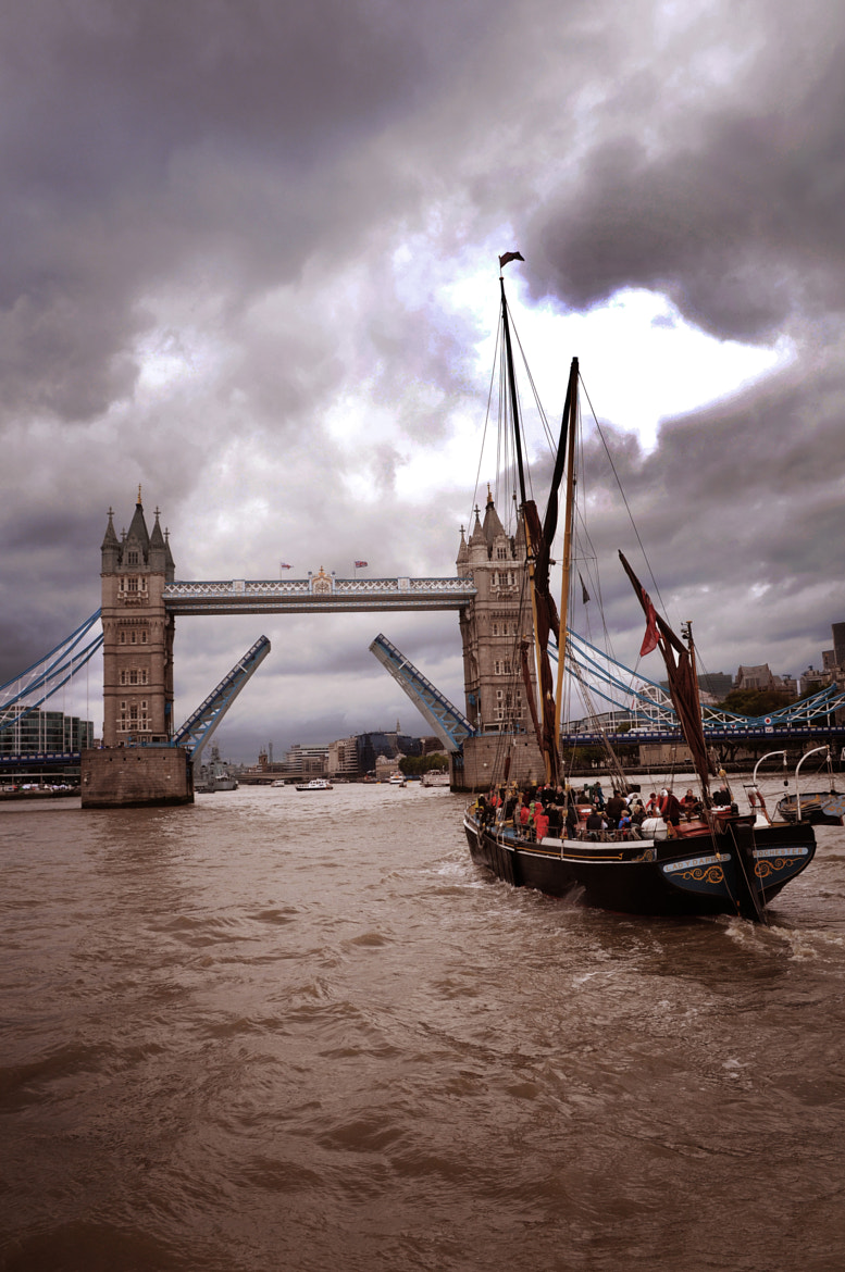 Photograph London  by George Anthymosoglou on 500px