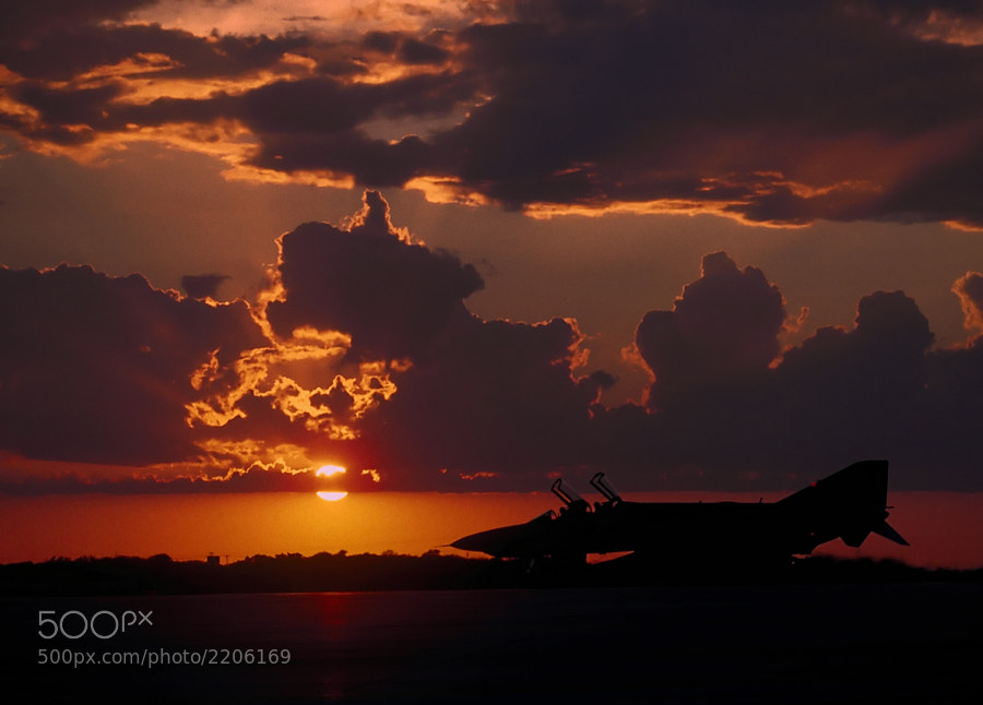 Taken during the waning years of F-4 Phantom operations, this was a fitting scene for 1990.
