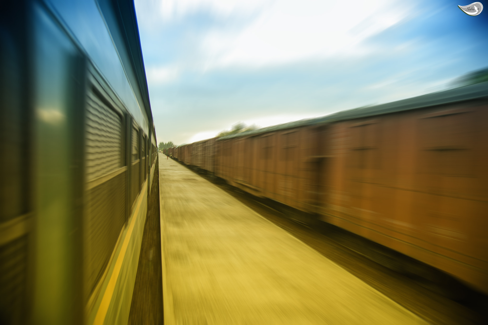 Photograph Train by Subin Truong on 500px