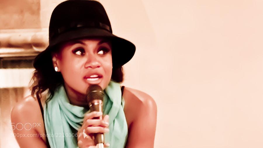 Lois Mahalia Sings