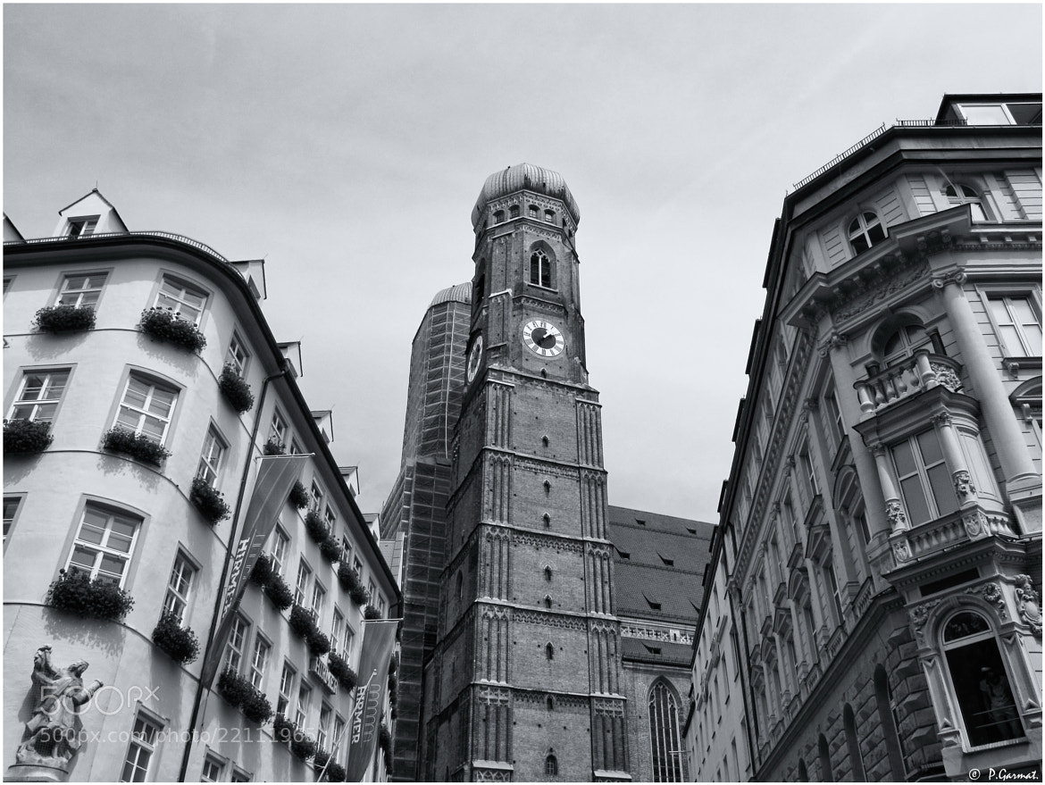 Photograph Frauenkirche (München) by Garmatis Pantelis on 500px