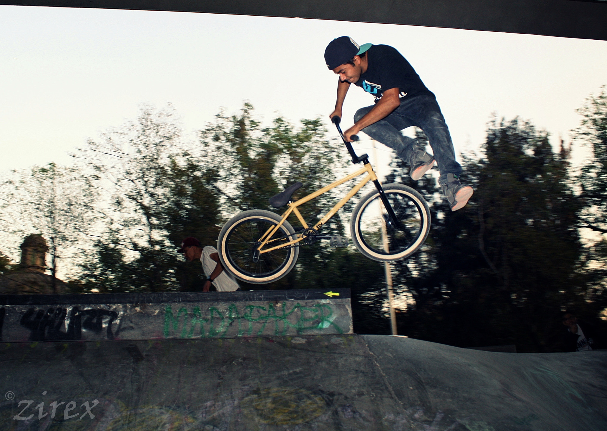 Photograph FAST DOWNSIDE WHIP by Eric Zirex on 500px