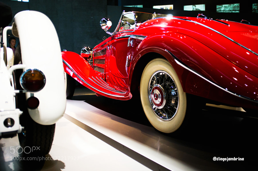 Pasión por el rojo de Mercedes-Benz by Diego Jambrina (Elhombredemackintosh)) on 500px.com