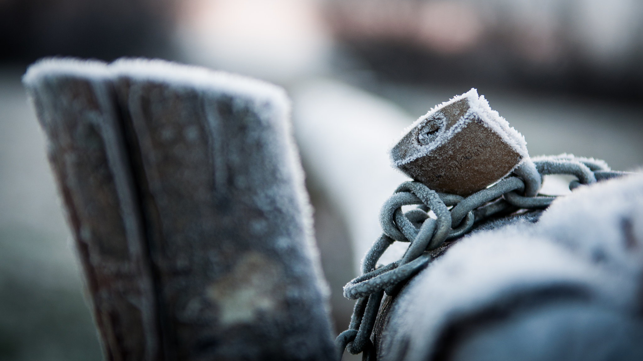 Photograph frozen chain by Ivan Draganjac on 500px