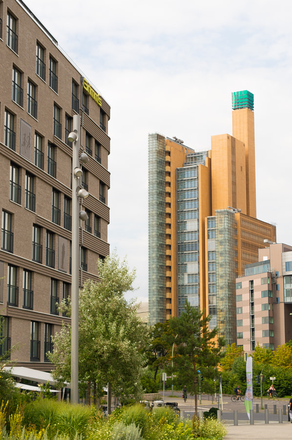 Weirdest Skyscraper Berlin von Jaxelle auf 500px.com