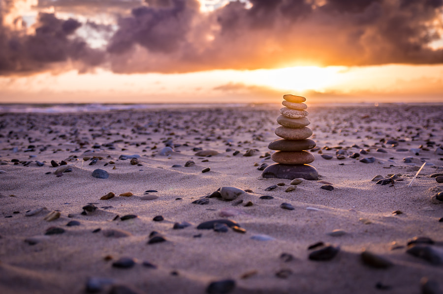Stones on the beach, автор — Kristian D. Hansen ✅ на 500px.com