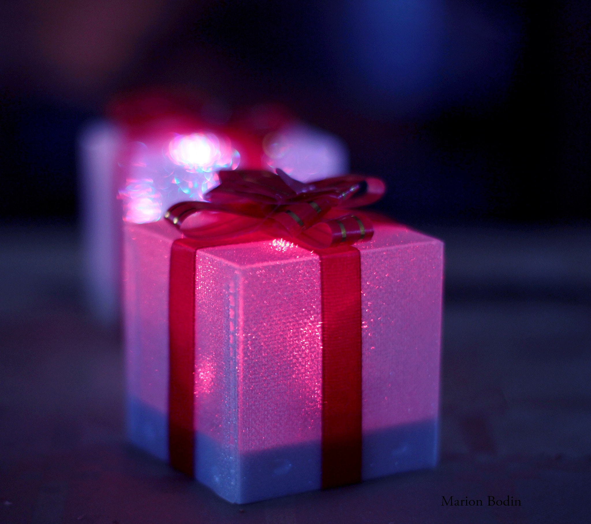 Photograph Lighting gift by Marion Bodin on 500px