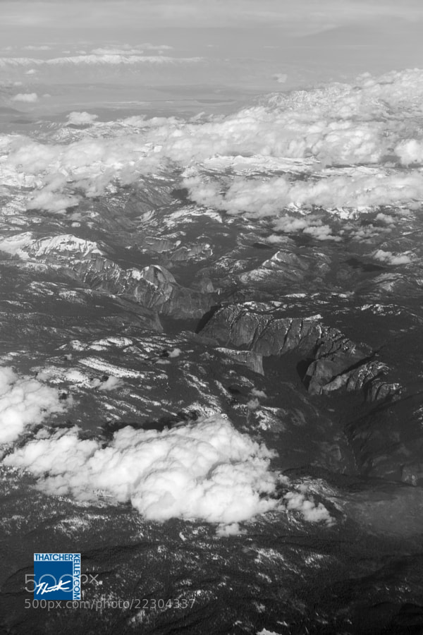 From 40,000ft Yosemite is still noticable with it's classic granite faces and waterfalls.
