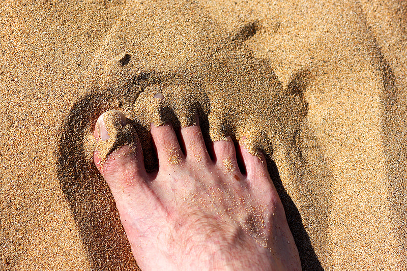 Photograph Toes in the Sand by Lars Cosh-Ishii on 500px
