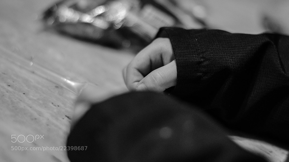 Photograph Working hands by manolo sañudo on 500px