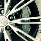 Постер, плакат: Aston Martin Virage Wheel