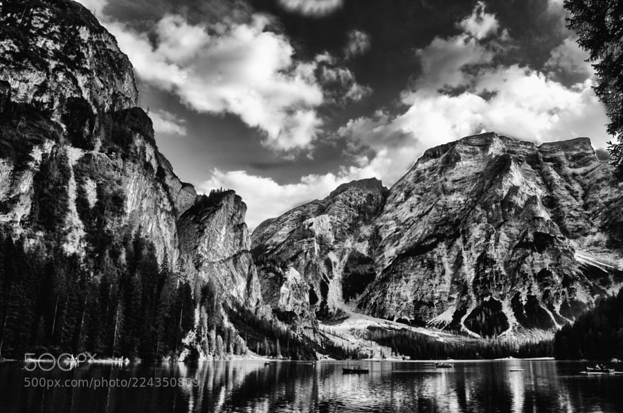 Landscape of the dolomites in black and white_02