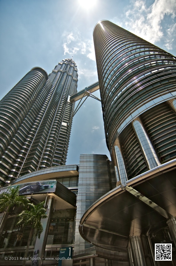 Photograph Twin Towers KL by René Sputh on 500px