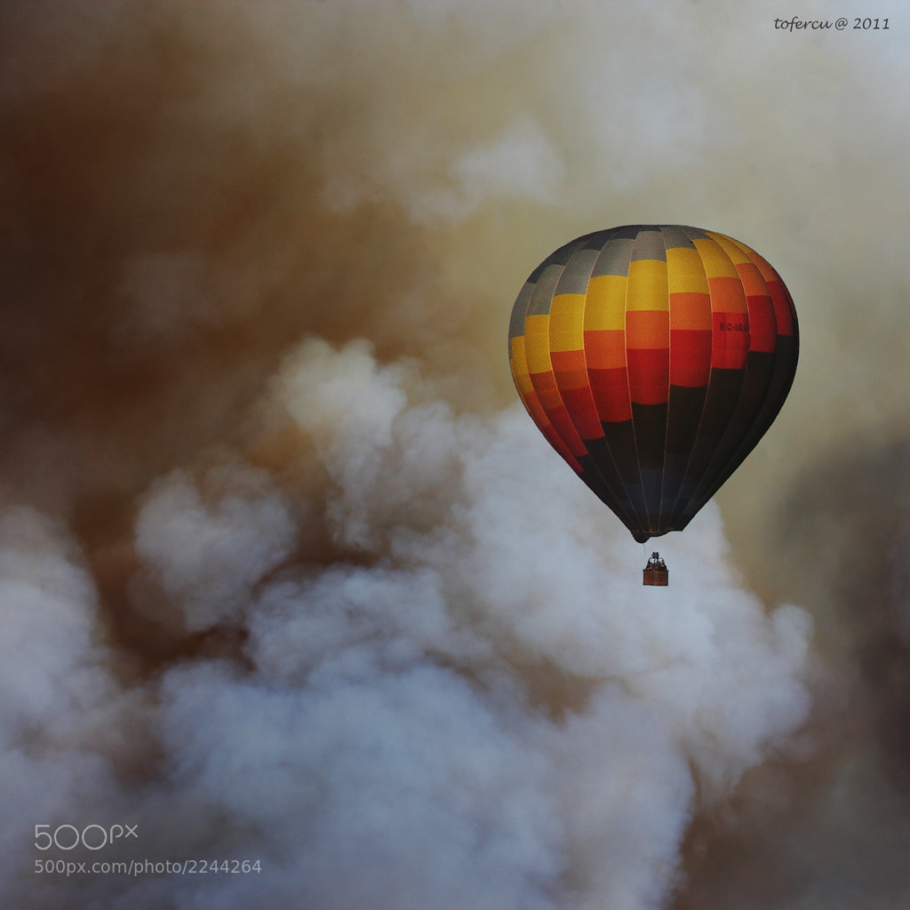 Photograph The balloon by toni fernandez on 500px