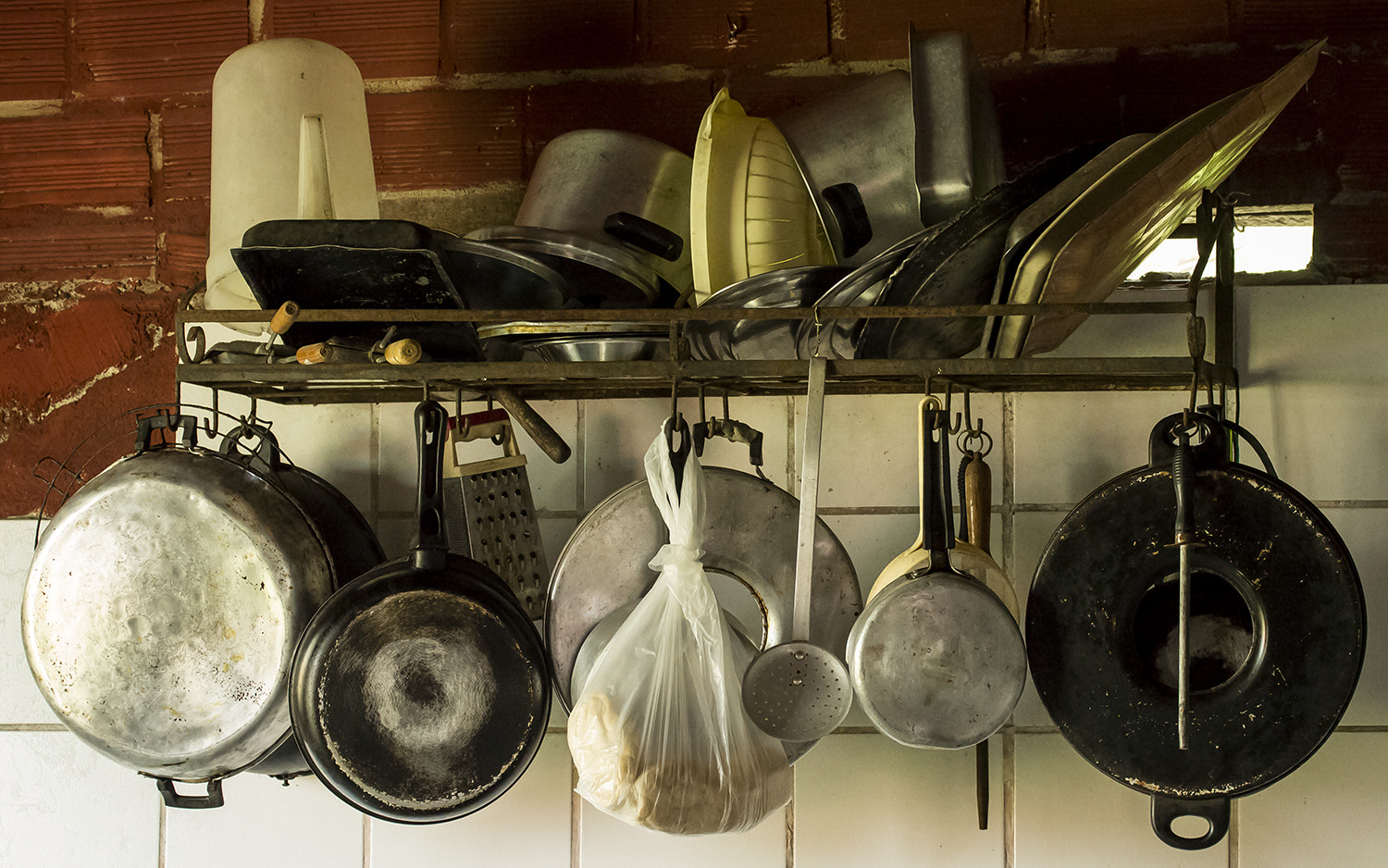 Photograph Kitchen accoutrements by Pedro Corrêa on 500px