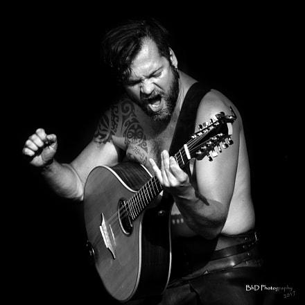 Guitar player of prima nocta @ elftopia
