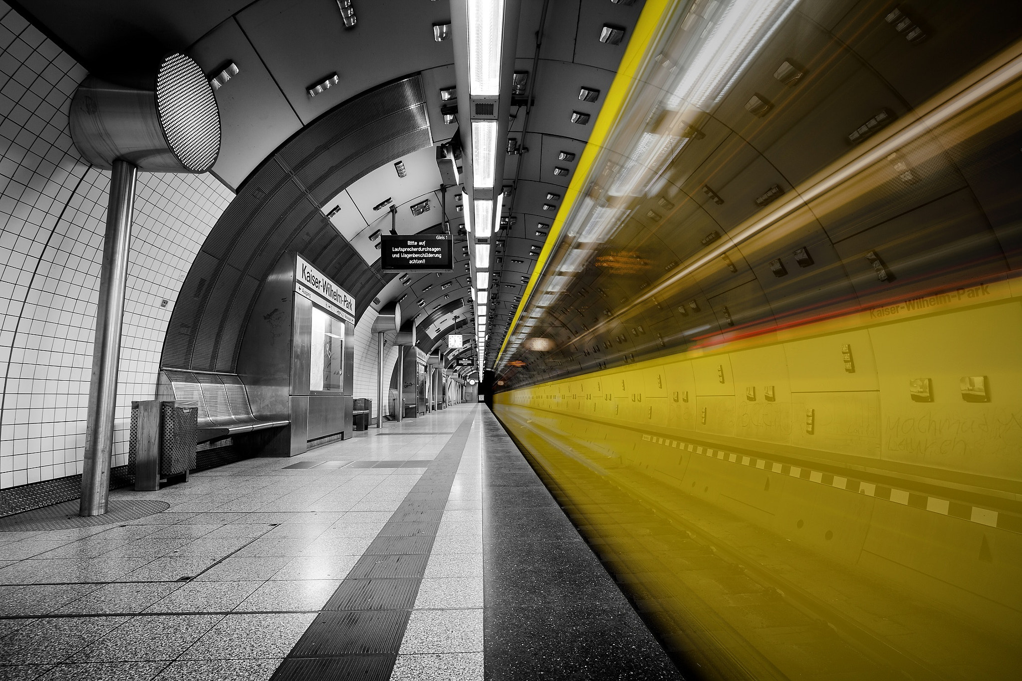 Photograph In the tube by Christian Riedel on 500px