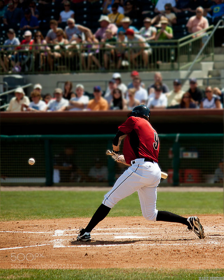 Hunter Pence batting during the 2011 MLB regular season.