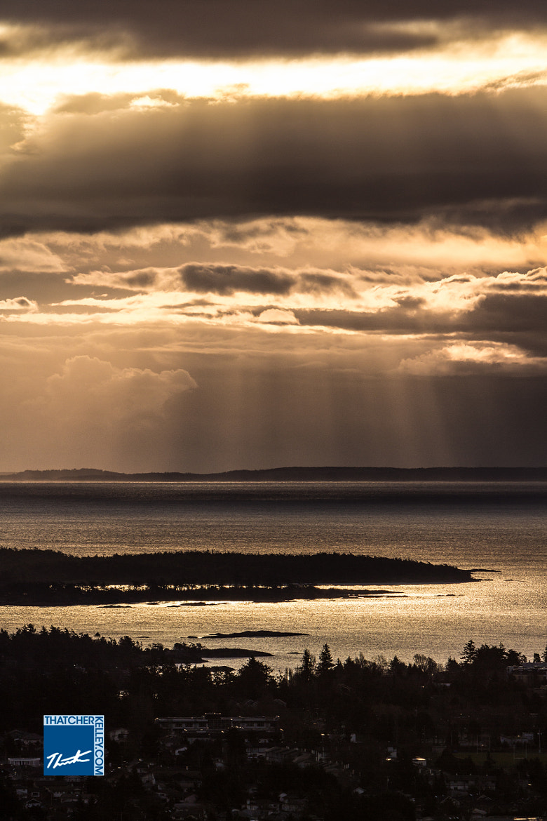 Photograph Sun Rays on the Border by Thatcher Kelley on 500px