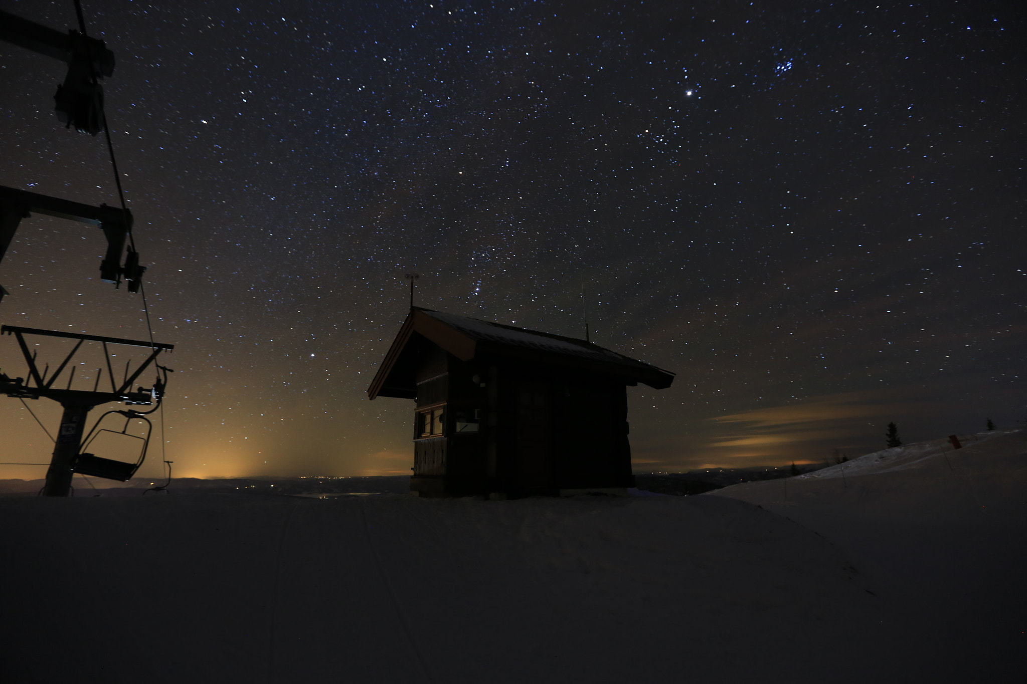 Photograph The ski house guarded by the stars by Carl Fredrik Melle on 500px