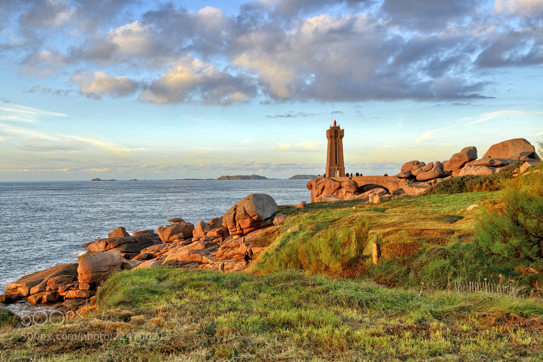 Photograph Men Ruz lighthouse by Nicolas Winspeare on 500px