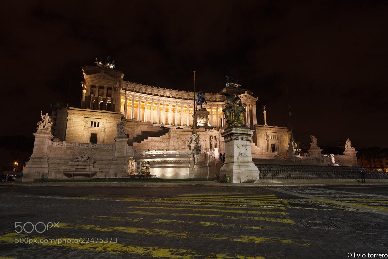 Photograph Roma 2012 - Vittoriano by Livio  Torrero on 500px