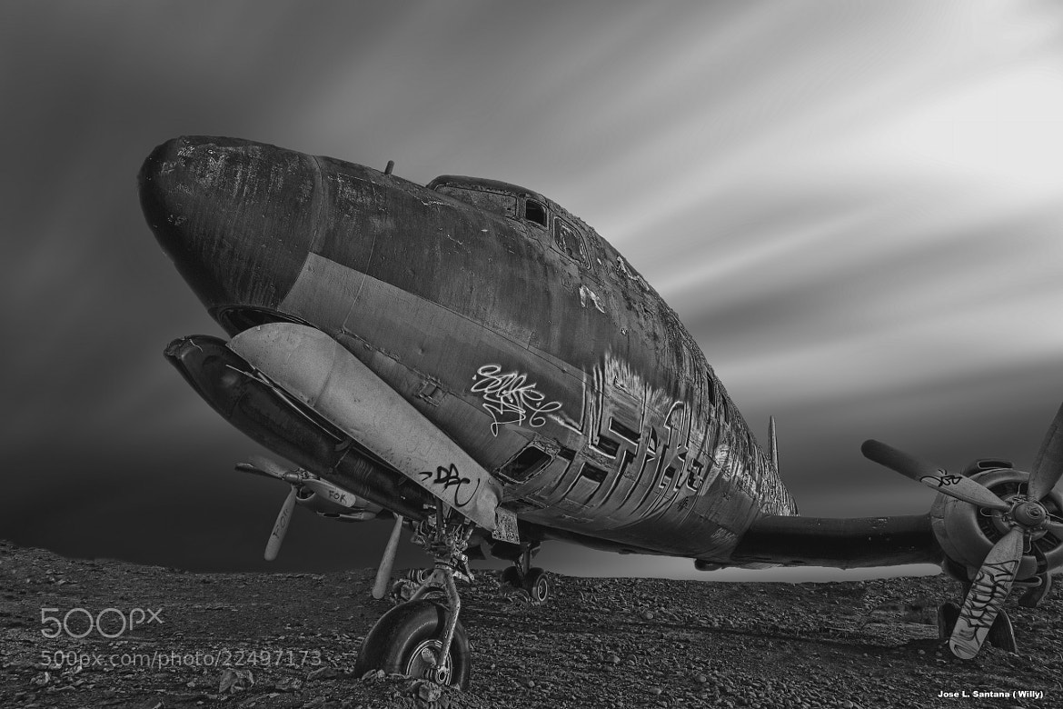 Photograph old graffiti plane by Jose Luis Santana ( Willy) on 500px