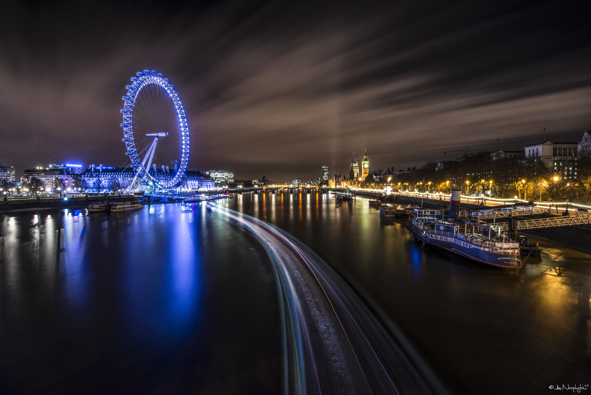Photograph By the river Thames by Andreas Neøphytøu on 500px