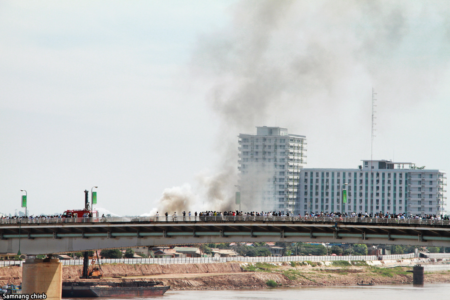 Photograph Fire Car on the Chhrouy Chanva bridge. by samnang chieb on 500px
