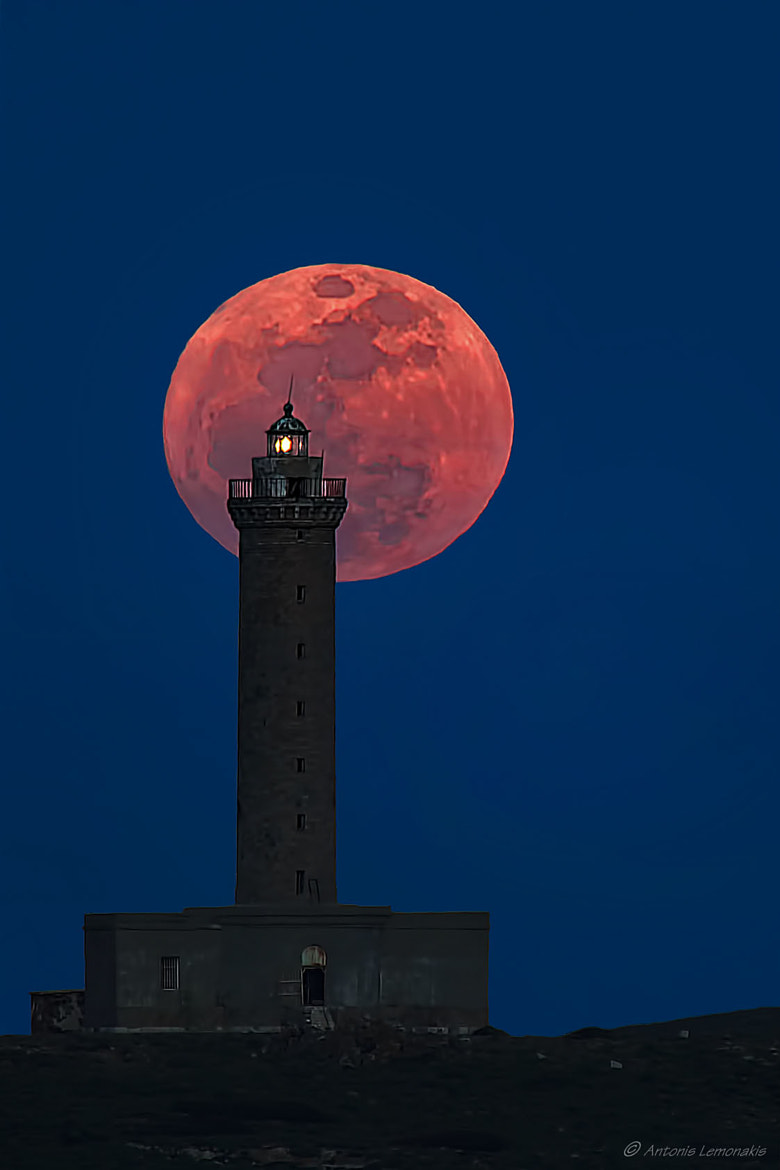 Photograph The largest full moon by Antonis Lemonakis on 500px