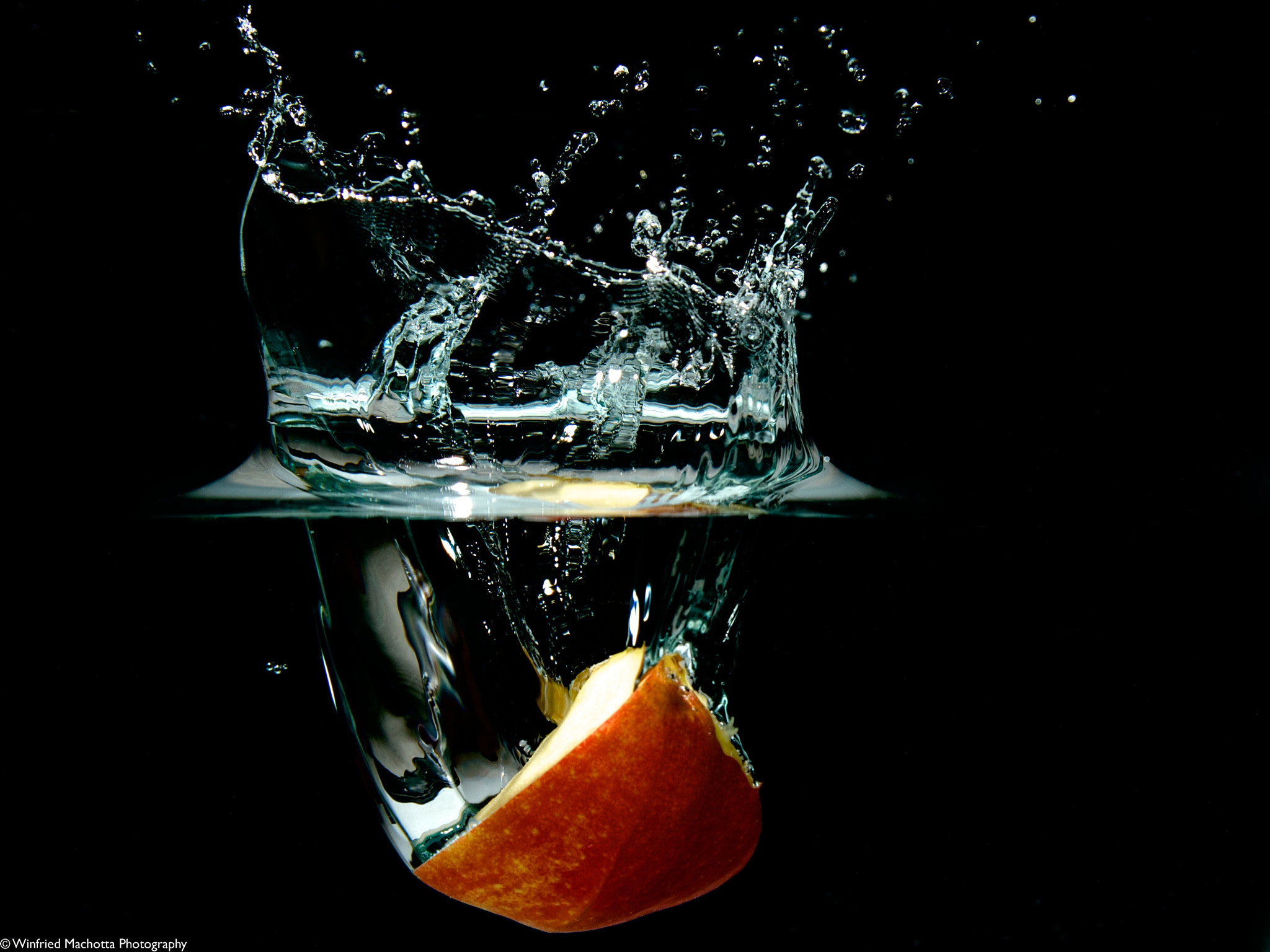Photograph Apple Dive by Winfried Machotta on 500px