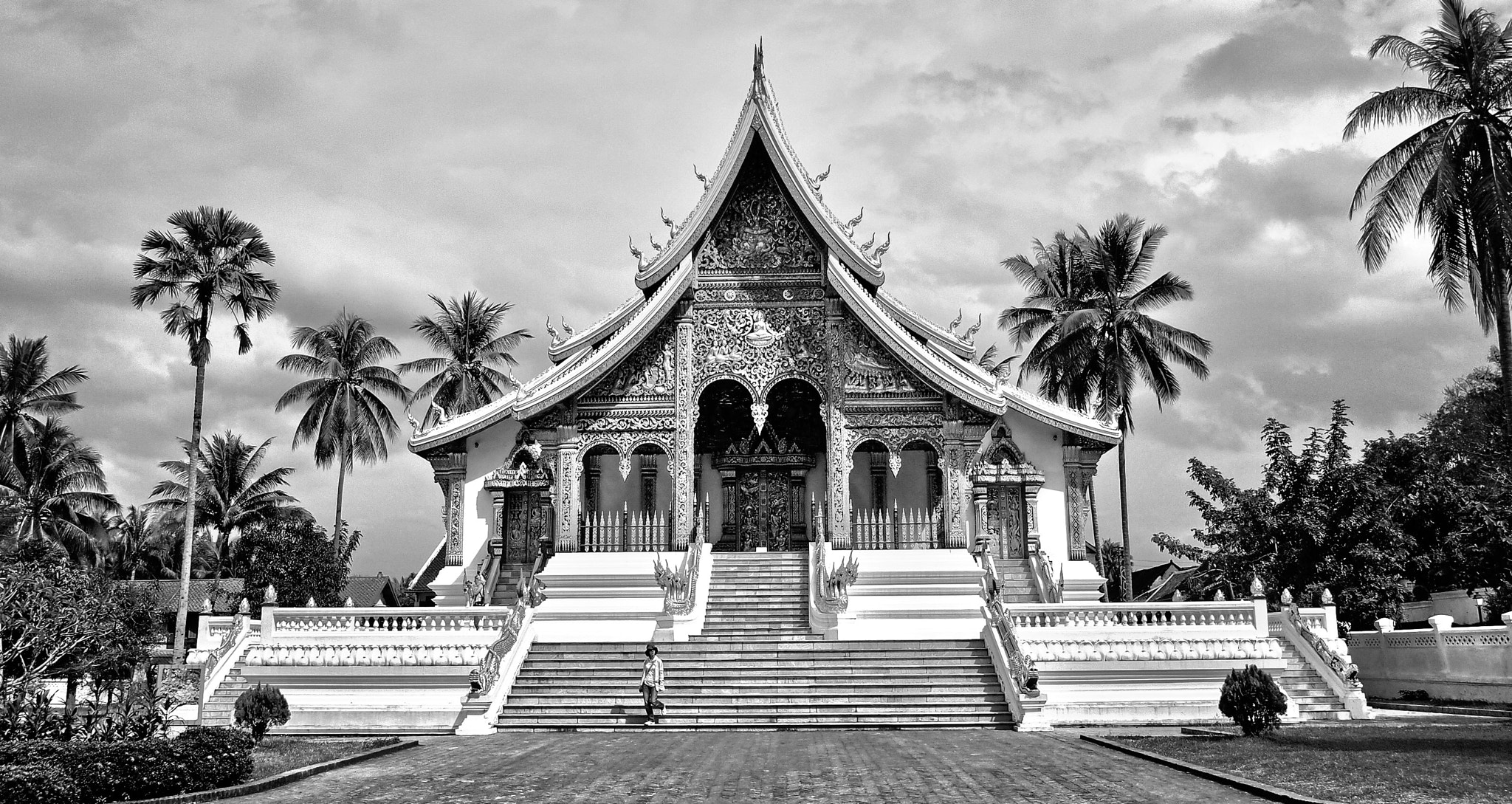 Photograph Temple in Luang Phrabang by Au Phairatphiboon on 500px