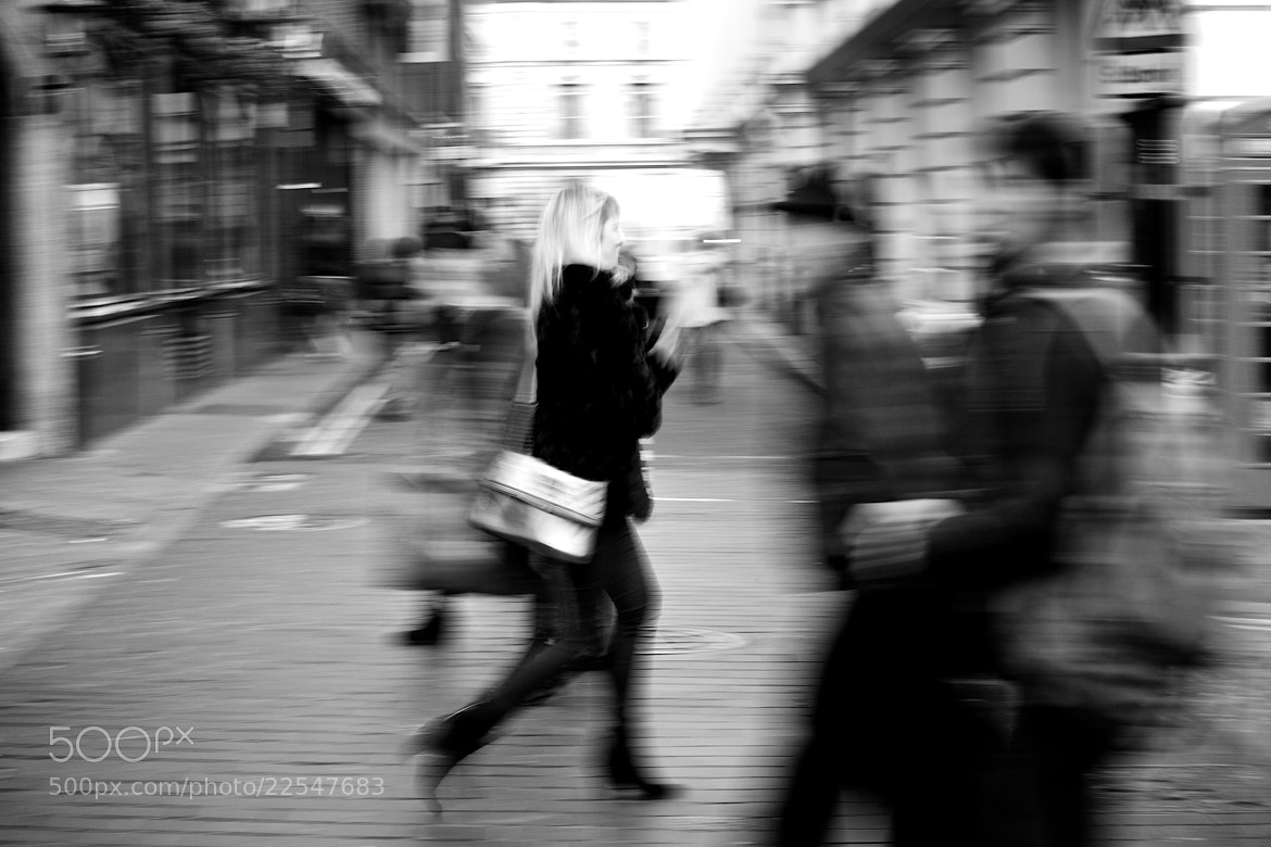 Photograph Lady on rush! by Fabiano  on 500px