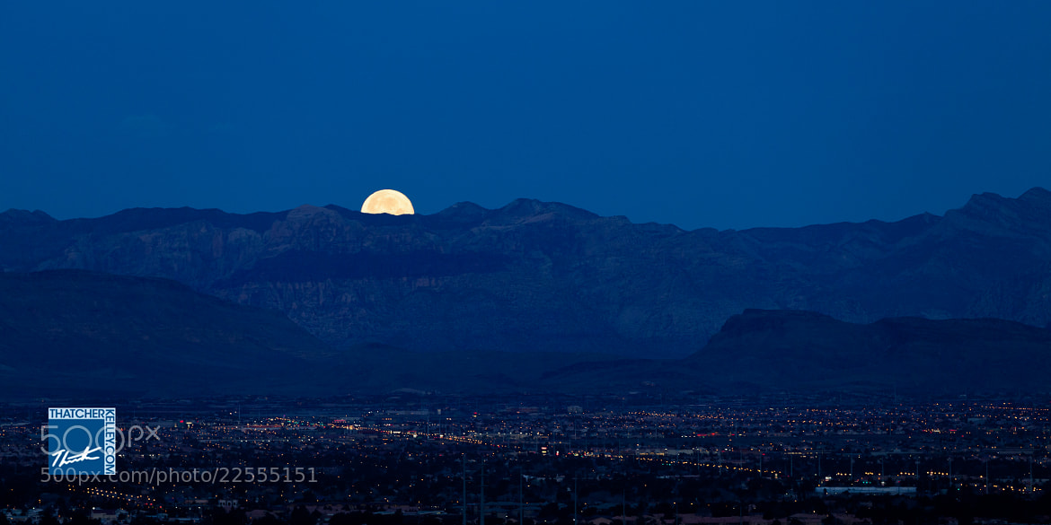 Photograph Mooning Los Vegas by Thatcher Kelley on 500px