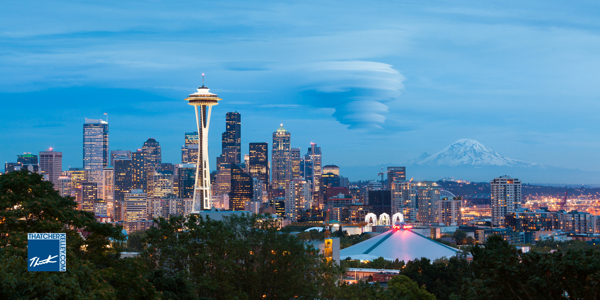 Photograph Seattle dusk with lenticular cloud by Thatcher Kelley on 500px