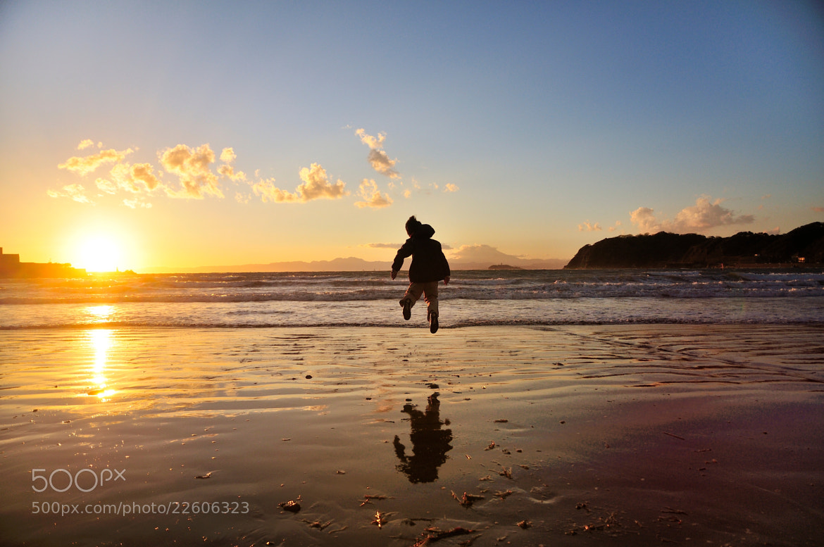 Photograph jump on the seaside by nao sakaki on 500px