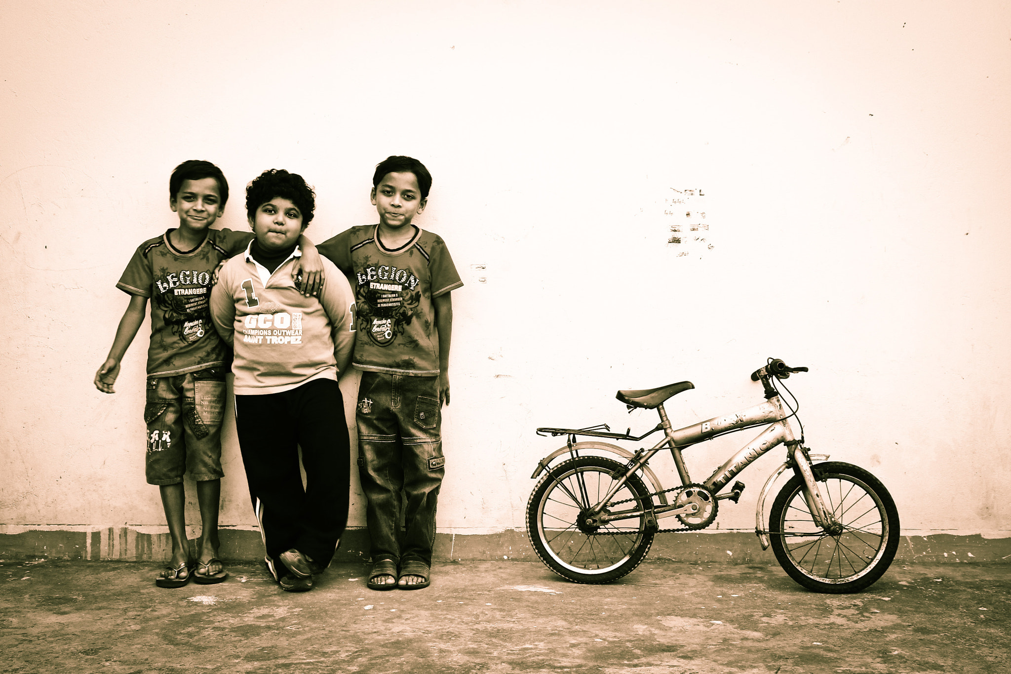 Photograph The Twin with their friend by Zarif Rafiul Haque Iraz on 500px
