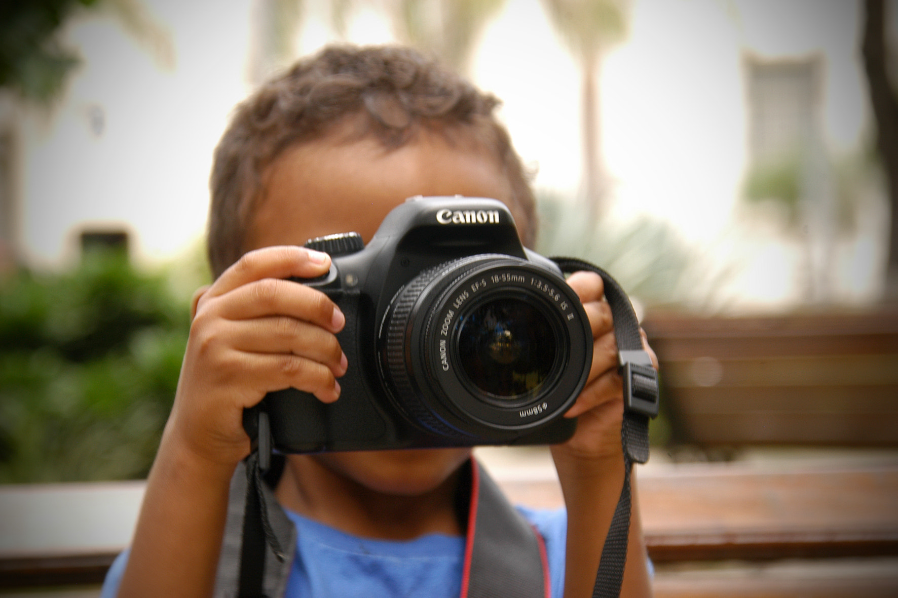 Photograph Kid with canon by Miguel Angel Algarañaz Manzoni  on 500px