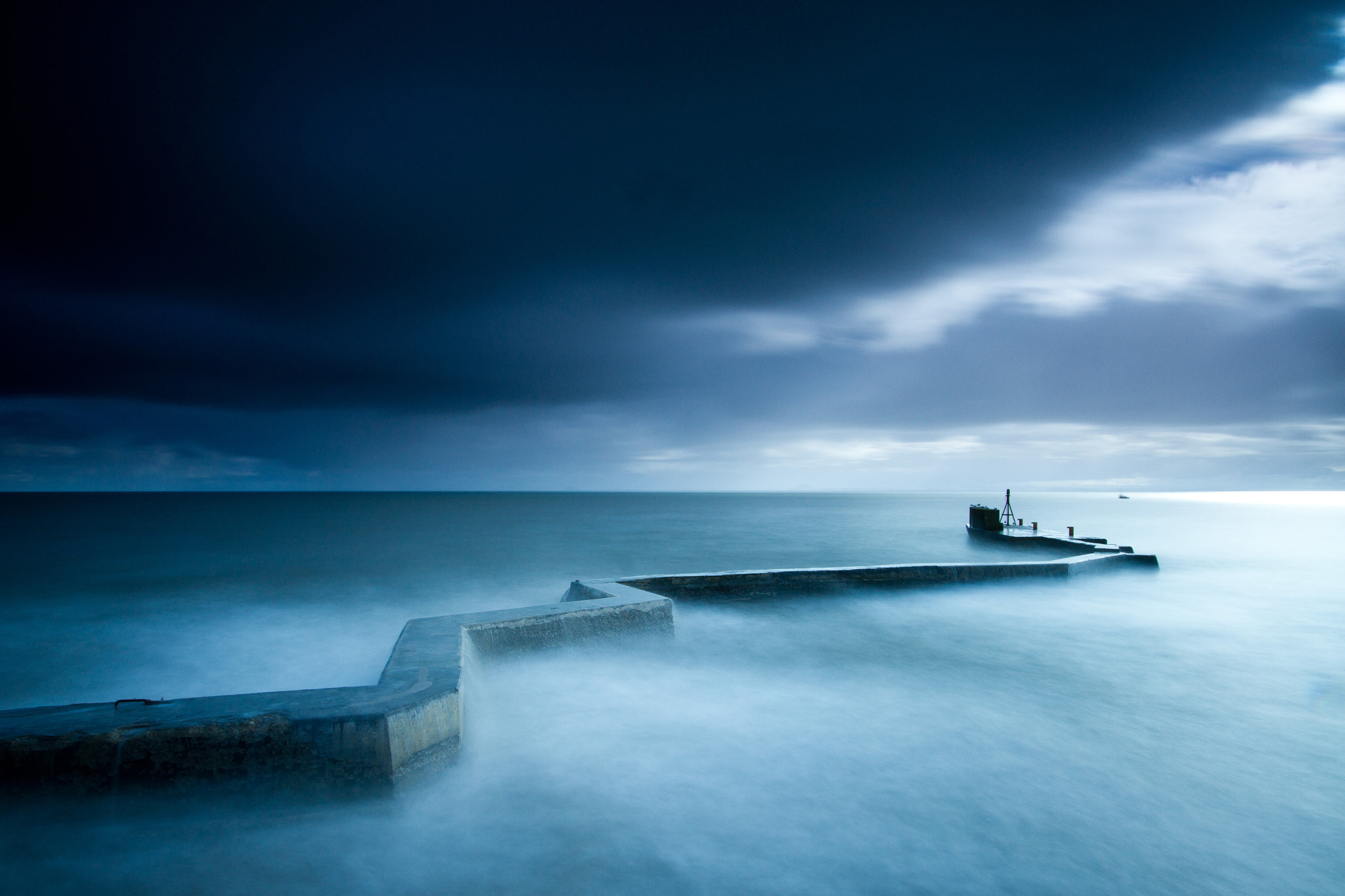 Photograph Rolling In The Deep by Simon Cameron on 500px