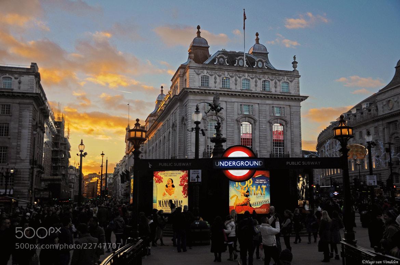 Photograph Picadilly Circus, London by Hugo van Vondelen on 500px