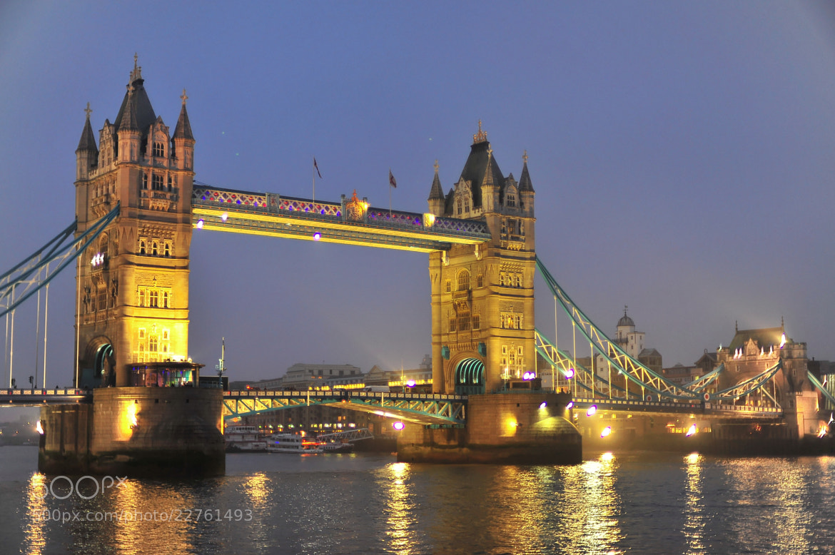 Photograph The tower Bridge in London by Angelo Ferraris on 500px