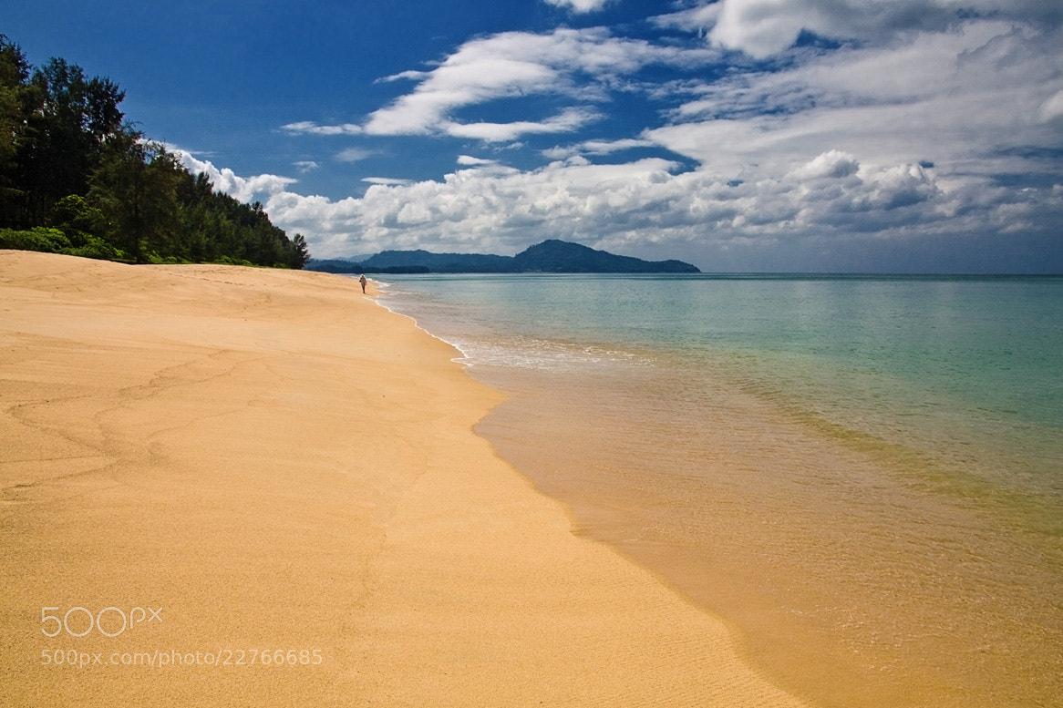 Photograph On the beach by Hilt  on 500px