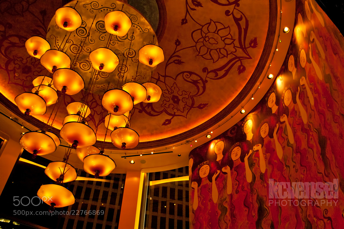 Photograph Grand Lux Cafe by Ken Vensel on 500px