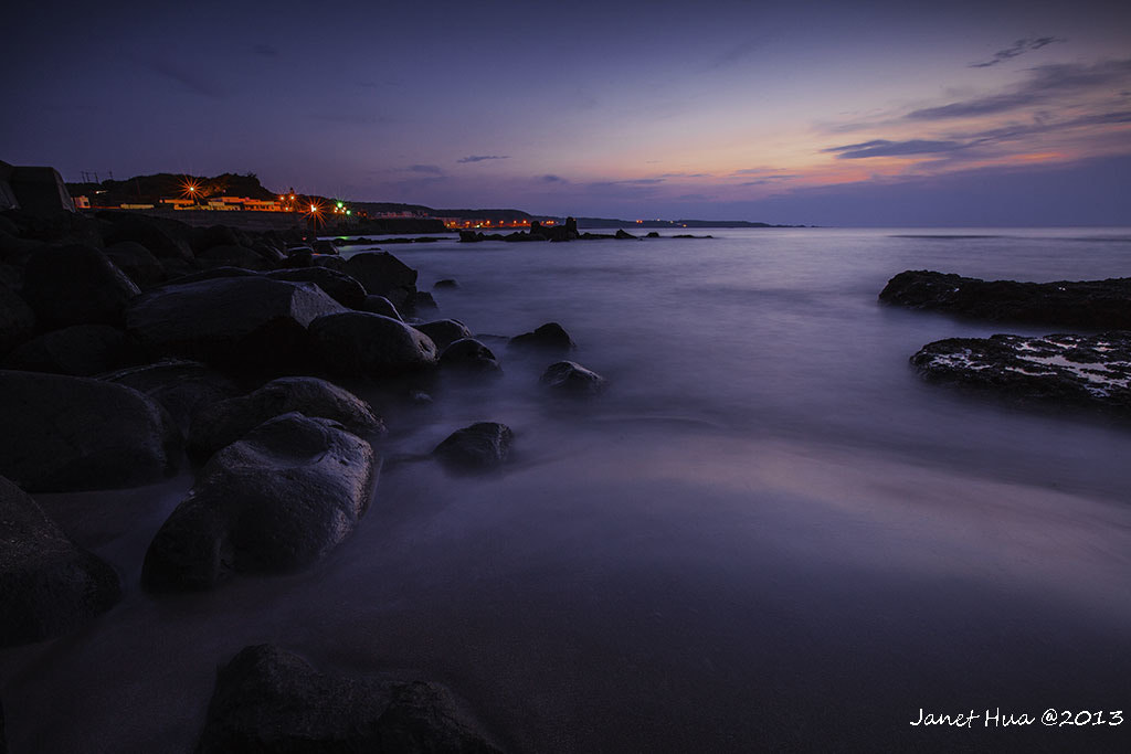 Photograph When the night began to fall by Janet Hua on 500px