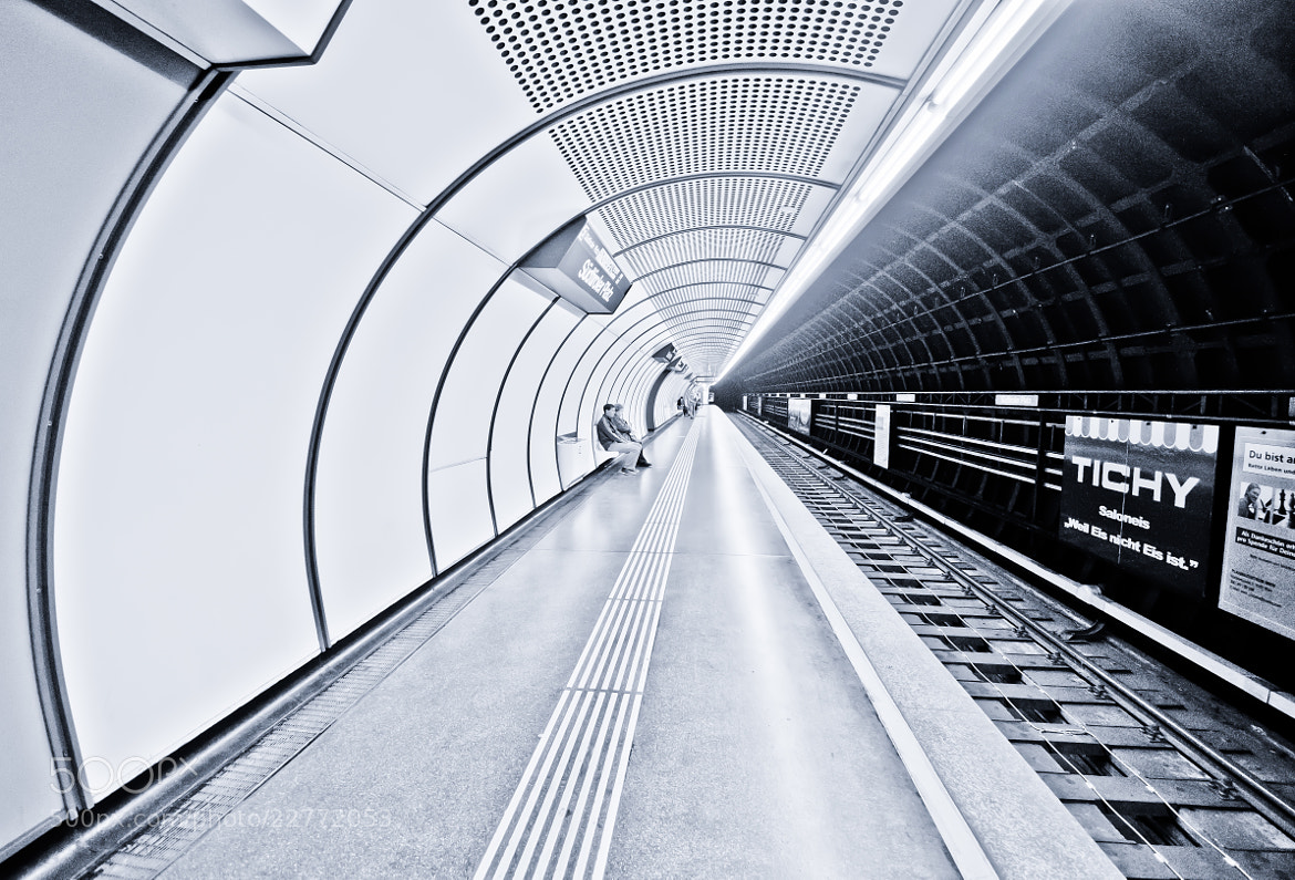 Photograph Tube by César Asensio Marco on 500px