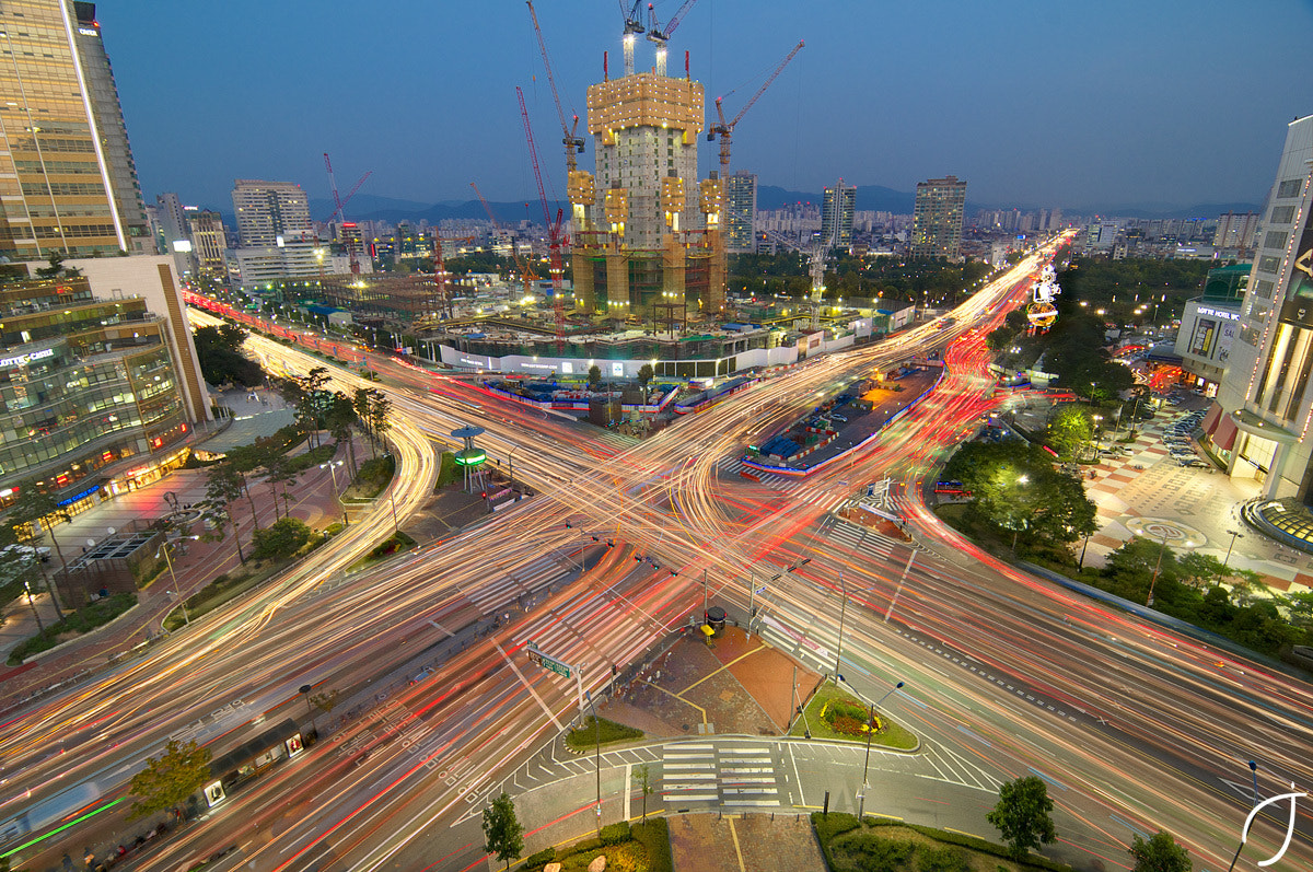 Photograph 잠실4거리 Jamsil Intersection magic hour by Romain John on 500px