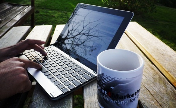 Photograph Laptop and Coffee Cup by Fabrizio Van Marciano on 500px