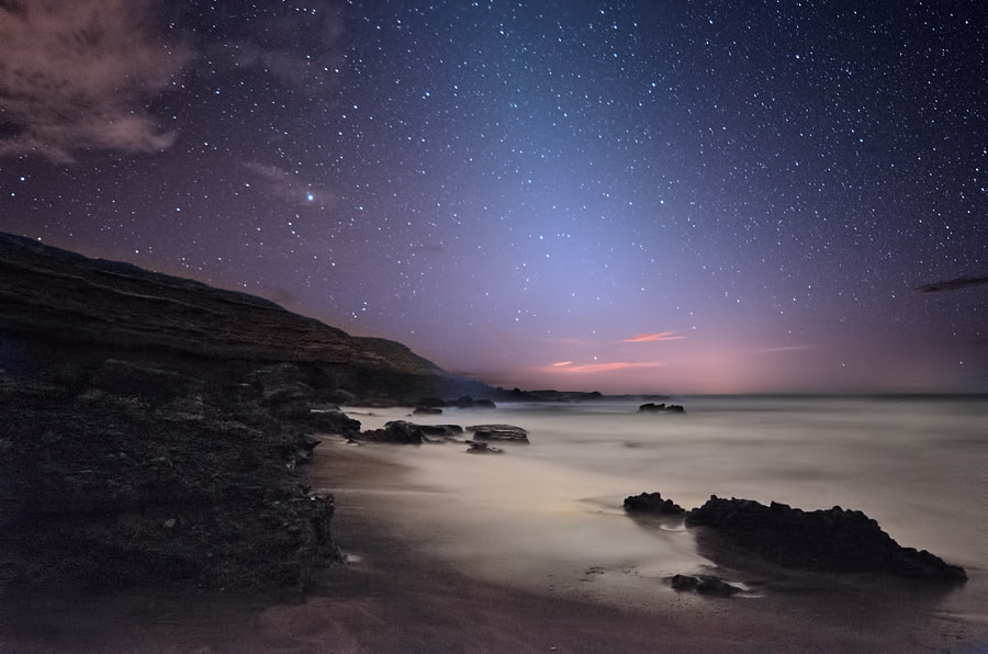 Photograph the zodiacal light by Juan Antonio Santana on 500px