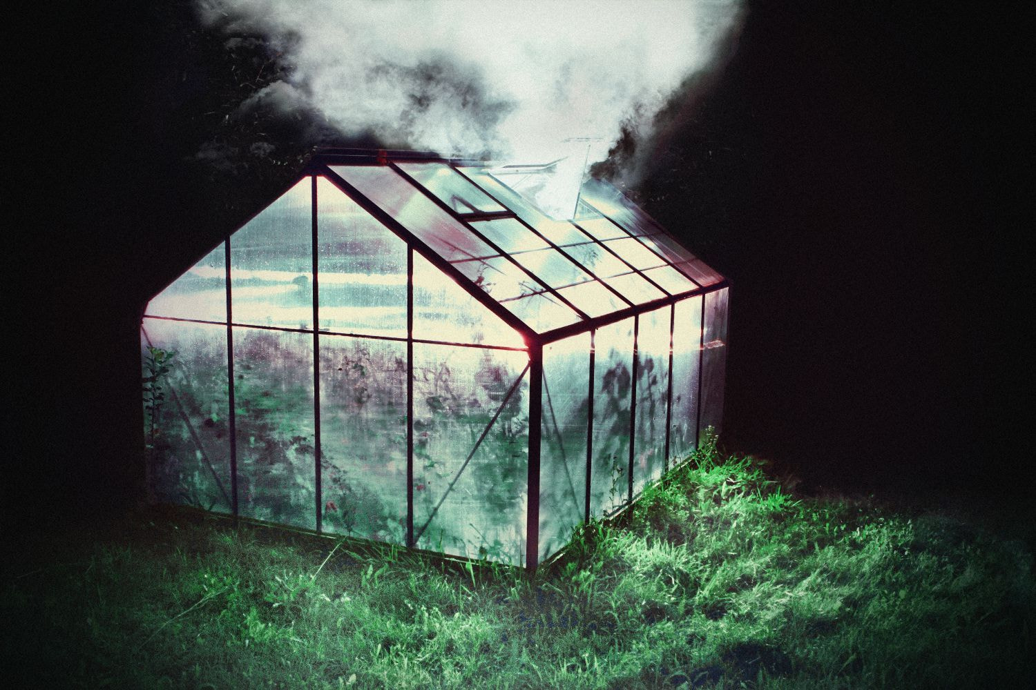 Photograph GREENHOUSE by TWODICKSKLAN on 500px